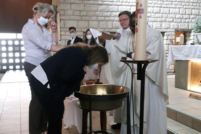 Alléluia, ils ont été baptisés, confirmés…